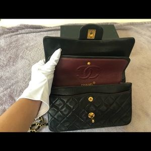 CHANEL Bags - 🔥 ✨Authentic Chanel Vintage small classic flap✨🔥